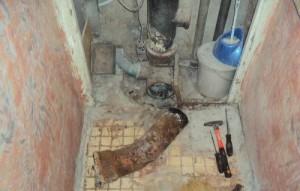 демонтаж стояка канализации